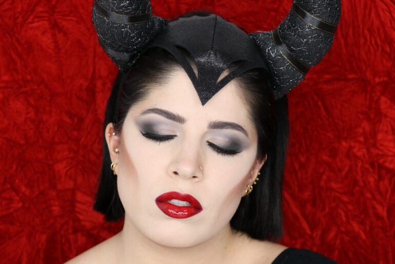 Maleficent Look MAC Cosmetics
